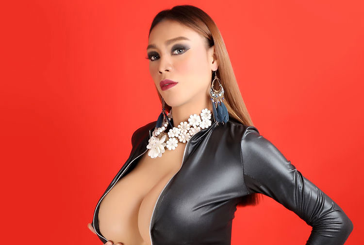 huge tits ladyboy dominatrix mistressxhunter